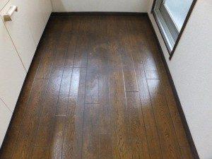 床 剥離洗浄ワックスで強い油汚れを復元回復 東京都大田区東雪谷|おそうじ本舗洗足池店