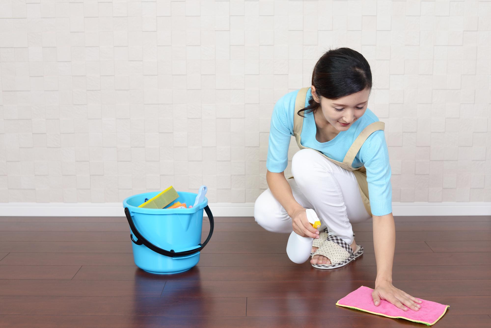 フローリングの基礎知識-2 キレイを保つ掃除方法と汚れの防ぎ方